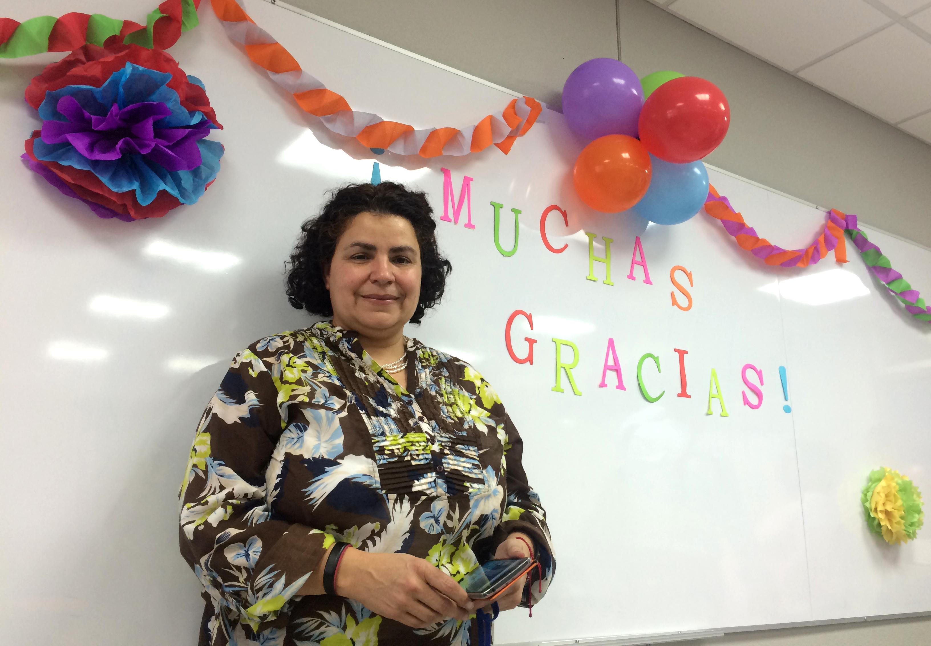 La comunidad ECCC se unió para expresarle su agradecimiento a la Dra. Lidieth Garro por haber dirigido la Escuela del 2012 al 2016. Foto: Carlos Quesada/ECCC